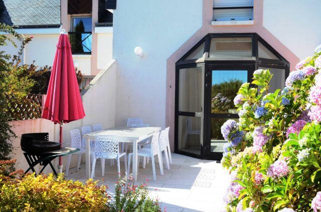 terrasse détente et repas exterieur