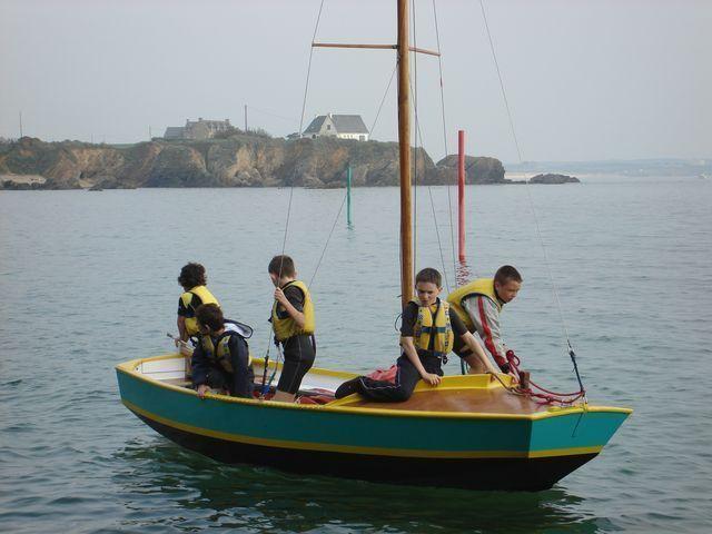 Voile au bord de la côte au Pouldu  Clohars Carnoët Finistère Bretagne sud